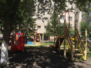 blagoustroennii_dvor_krasnoyarsk3