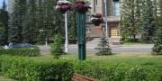 Мачты с цветочными вазонами